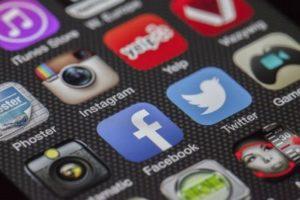 Dependencia a las Redes Sociales Córdoba - Isabel Medina